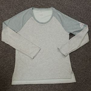 📣 Like new Women's Adidas pullover size L